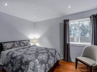 Photo 17: 955 E 10TH AVENUE in Vancouver: Mount Pleasant VE House for sale (Vancouver East)  : MLS®# R2074538