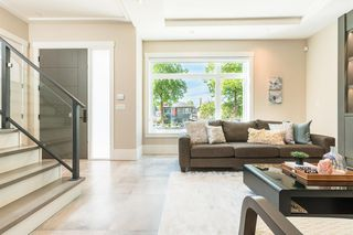 Photo 4: 3449 E 28TH AVENUE in Vancouver: Renfrew Heights House for sale (Vancouver East)  : MLS®# R2268902