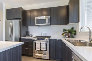 Photo 2: 215-3107 Windsor Gate in Coquitlam: New Horizons Condo for sale : MLS®# R2281672