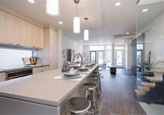 Photo 4: 10626 127 Street in Edmonton: Zone 07 House for sale : MLS®# E4168944