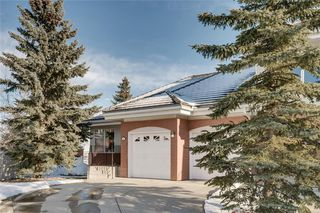 Photo 1: 123 Patina Court SW in Calgary: Patterson Row/Townhouse for sale : MLS®# C4278744