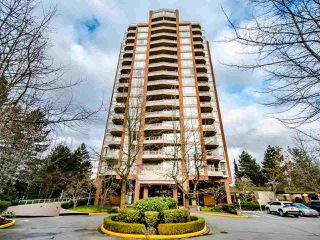 Photo 1: 404 4657 HAZEL Street in Burnaby: Forest Glen BS Condo for sale (Burnaby South)  : MLS®# R2432175