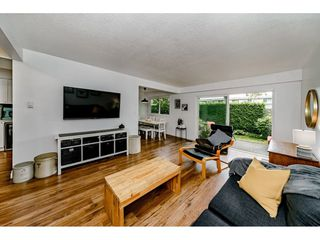Photo 3: 10802 RYAN Road in Richmond: South Arm Townhouse for sale : MLS®# R2450398