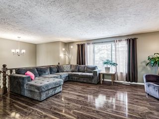 Photo 3: 107 Ranchero Place NW in Calgary: Ranchlands Detached for sale : MLS®# A1049917