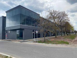 Photo 1: 18 & 19 418 Iroquois Shore Road in Oakville: Iroquois Ridge South Property for lease : MLS®# W4996656