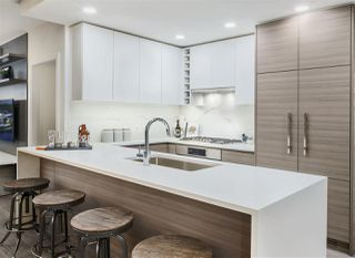"""Main Photo: 510 813 CARNARVON Street in New Westminster: Downtown NW Condo for sale in """"OVATION"""" : MLS®# R2521841"""