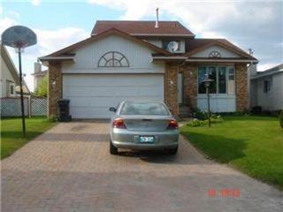 Photo 1: 23 CHOCHINOV Avenue in Winnipeg: Residential for sale (Canada)  : MLS®# 1104533