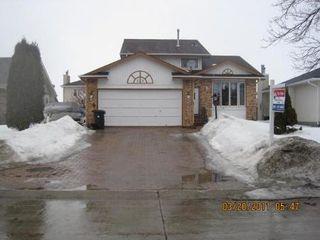 Photo 2: 23 CHOCHINOV Avenue in Winnipeg: Residential for sale (Canada)  : MLS®# 1104533
