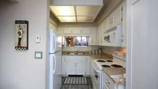 """Photo 7: 202 1467 BEST Street: White Rock Condo for sale in """"BAKERVIEW COURT"""" (South Surrey White Rock)  : MLS®# F1313192"""