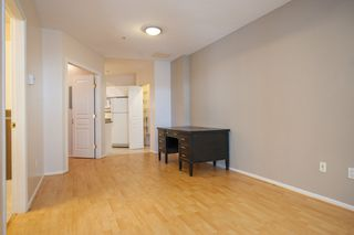 "Photo 4: 733 E 17TH Avenue in Vancouver: Fraser VE Townhouse for sale in ""Kingsgate Manor"" (Vancouver East)  : MLS®# V1026279"
