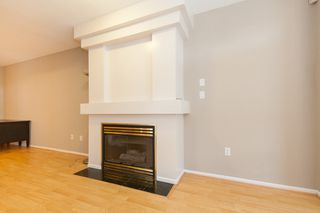 "Photo 3: 733 E 17TH Avenue in Vancouver: Fraser VE Townhouse for sale in ""Kingsgate Manor"" (Vancouver East)  : MLS®# V1026279"
