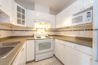 """Photo 9: 733 E 17TH Avenue in Vancouver: Fraser VE Townhouse for sale in """"Kingsgate Manor"""" (Vancouver East)  : MLS®# V1026279"""