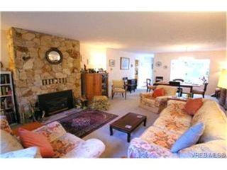 Photo 2: 1003 Scottswood Lane in VICTORIA: SE Broadmead House for sale (Saanich East)  : MLS®# 380873