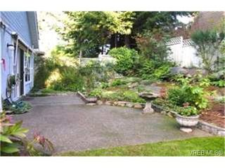 Photo 7: 1003 Scottswood Lane in VICTORIA: SE Broadmead House for sale (Saanich East)  : MLS®# 380873