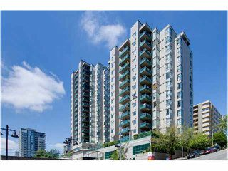 "Photo 1: 404 420 CARNARVON Street in New Westminster: Downtown NW Condo for sale in ""Carnarvon Place"" : MLS®# V1081366"