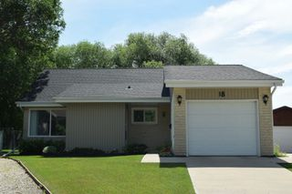 Photo 1: 18 Laurent Place in Winnipeg: St Norbert Single Family Detached for sale (South Winnipeg)  : MLS®# 1529245