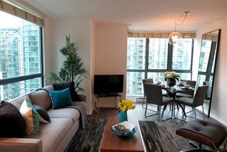 Photo 8: 2001 1238 MELVILLE STREET in Vancouver: Coal Harbour Condo for sale (Vancouver West)  : MLS®# R2051122