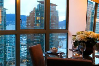 Photo 1: 2001 1238 MELVILLE STREET in Vancouver: Coal Harbour Condo for sale (Vancouver West)  : MLS®# R2051122