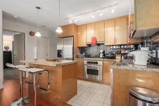 Photo 11: Vancouver West in Coal Harbour: Condo for sale : MLS®# R2068670