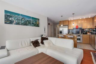 Photo 10: Vancouver West in Coal Harbour: Condo for sale : MLS®# R2068670