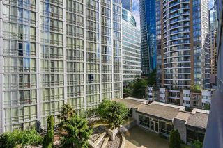 Photo 3: Vancouver West in Coal Harbour: Condo for sale : MLS®# R2068670