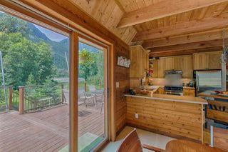Photo 12: 1120 DOGHAVEN LANE in Squamish: Upper Squamish House for sale : MLS®# R2077411
