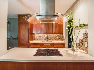 Photo 4: 202 2025 W 2ND AVENUE in Vancouver: Kitsilano Condo  (Vancouver West)  : MLS®# R2212885