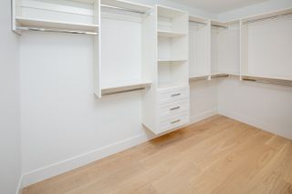 Photo 11: 1533 E 5TH Avenue in Vancouver: Grandview Woodland 1/2 Duplex for sale (Vancouver East)  : MLS®# R2439511