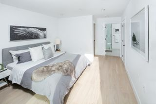 Photo 9: 1533 E 5TH Avenue in Vancouver: Grandview Woodland House 1/2 Duplex for sale (Vancouver East)  : MLS®# R2439511