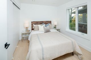 Photo 14: 1533 E 5TH Avenue in Vancouver: Grandview Woodland House 1/2 Duplex for sale (Vancouver East)  : MLS®# R2439511