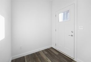 Photo 3: 176 Edgemont Road in Edmonton: Zone 57 House for sale : MLS®# E4195678