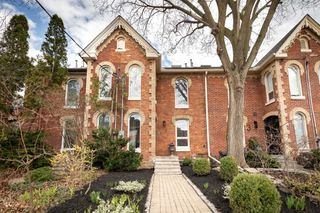 Photo 2: 5 Rose Avenue in Toronto: Cabbagetown-South St. James Town House (2 1/2 Storey) for sale (Toronto C08)  : MLS®# C4775693