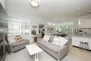 Main Photo: 303 1540 Belcher Ave in Victoria: Vi Jubilee Condo Apartment for sale : MLS®# 839960
