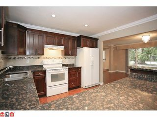 "Photo 6: 4370 204TH Street in Langley: Brookswood Langley House for sale in ""Brookswood"" : MLS®# F1206281"