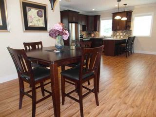 "Photo 4: 7 307 BEGIN Street in Coquitlam: Maillardville Townhouse for sale in ""LAVAL VILLAS"" : MLS®# V957242"