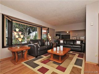 Photo 4: 1545 San Juan Ave in VICTORIA: SE Gordon Head Single Family Detached for sale (Saanich East)  : MLS®# 628346