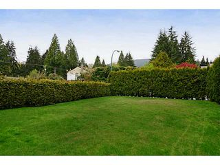 Photo 3: 2659 MASEFIELD Road in North Vancouver: Lynn Valley House for sale : MLS®# V1004077