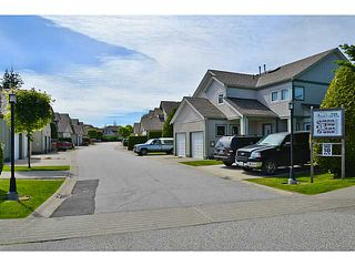 """Photo 2: 43 735 PARK Road in Gibsons: Gibsons & Area Townhouse for sale in """"Sherwood Grove"""" (Sunshine Coast)  : MLS®# V1011123"""