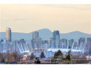 Main Photo: 1627 E 14TH AV in Vancouver: Grandview VE House for sale (Vancouver East)  : MLS®# V1037329