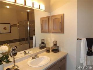 Photo 5: 11 Casselman Crescent: Oak Bluff Single Family Attached for sale : MLS®# 1403118