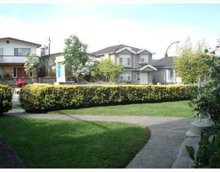 Photo 2: 3216 VENABLES STREET in Vancouver: Renfrew VE House for sale (Vancouver East)  : MLS®# R2028467