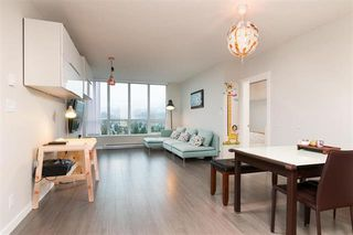 Photo 2: 2609 3093 Windsor Gate in Coquitlam: New Horizons Condo for sale : MLS®# R2247303