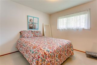 Photo 18: 2928 BURGESS DR NW in Calgary: Brentwood House for sale : MLS®# C4263627