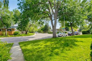 Photo 2: 2928 BURGESS DR NW in Calgary: Brentwood House for sale : MLS®# C4263627