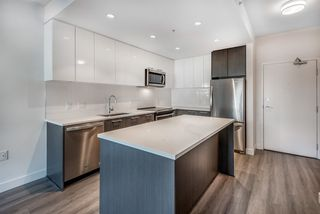"""Photo 7: 311 2382 ATKINS Avenue in Port Coquitlam: Central Pt Coquitlam Condo for sale in """"Parc East"""" : MLS®# R2418133"""