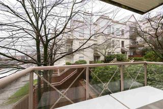 "Photo 16: 101 910 W 8TH Avenue in Vancouver: Fairview VW Condo for sale in ""THE RHAPSODY"" (Vancouver West)  : MLS®# R2435073"