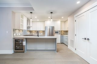 "Photo 2: 206 3755 CHATHAM Street in Richmond: Steveston Village Condo for sale in ""CHATHAM 3755"" : MLS®# R2447492"