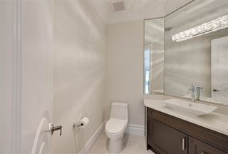 Photo 18: 843 HOLLANDS Landing in Edmonton: Zone 14 House for sale : MLS®# E4201872