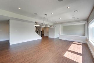 Photo 37: 843 HOLLANDS Landing in Edmonton: Zone 14 House for sale : MLS®# E4201872
