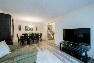 Photo 5: 8 STRATHCLAIR Rise SW in Calgary: Strathcona Park Detached for sale : MLS®# A1022810